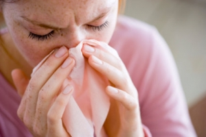 Las enfermedades más comunes y frecuentes que se presentan en época de invierno son las de las de las vías respiratorias