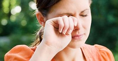 El Pterigión puede afectar a ambos ojos y puede confundirse con la catarata