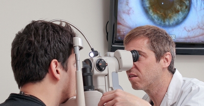 A los primeros síntomas del glaucoma debes  acudir de inmediato al especialista en oftalmología